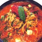 【2位】パルメザンチーズとモッツァレラとジェノベーゼのトマトソース