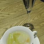 110813905 - スパークリングワインと本日のスープ