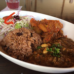 海カフェ ネフ - 野菜カレーと豆入りキーマカレー
