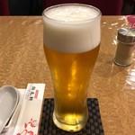 群来軒 - 生ビール 中 550円。