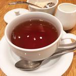 マヌエル マリシュケイラ - 食後の紅茶、香り良いです