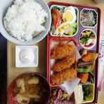 七海 - 料理写真:日替カキフライ定食650円。ご飯は並ですが、見た目よりは多かったかな?