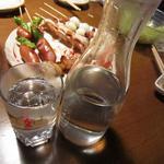 天神信長 - 芋焼酎(霧島)お湯割り 予めお湯で割られて出てきます。 580円(300ml)