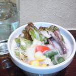 11083397 - ランチのカレーのサラダ