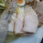 Menshoutakamatsu - チャーシュー、鶏肉