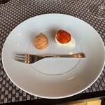 110839524 - 新玉ねぎのパンナコッタ イベリコ豚のチョリソー スモークサーモンのクリーム