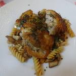ラ・ローザンヌ - 地鶏の皮パリッと焼き
