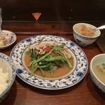 アジアン食堂 ノルブリンカ