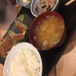餃子楼おとど餃子食堂 - 肉汁餃子定食(^∇^)