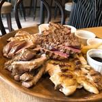 肉バル アンカーグラウンド - おまかせ肉盛り (350g)