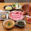 Zakuro - 料理写真:黒毛和牛《A4等級》と国産牛ロース食べ比べしゃぶしゃぶコース