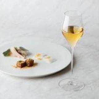 料理の魅力を引き立てるアルコールや台湾茶