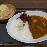 マイカリー食堂 - 煮込みビーフカレー、ご飯少な目に野菜トッピング(390-20-150=520円)