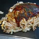 広島鉄板焼 万八 - 肉玉うどん