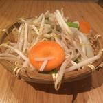ジンギスカン 楽太郎 - もやし野菜