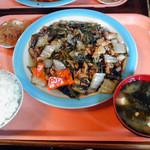 らーめん大漁 - らーめん大漁@芝山町 鶏山菜炒め定食