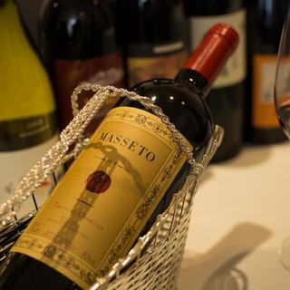 シェフが奏でる逸品のお共に、厳選ワインはいかがでしょうか