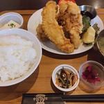 フルカワ食堂 - ハーフ定食(天とり)