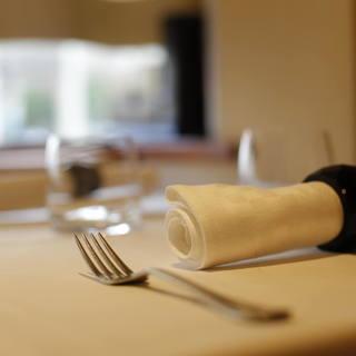 肩肘張らずに気軽に料理を楽しめるアットホームな空間