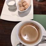 ビストロ カトリ - コーヒー