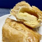 シャルマン - 中には、マロン餡とクリームチーズが…\( ˆoˆ )/