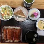 魚徳会館 - 料理写真:コスパ最強! うな重ランチ  ¥1,080