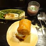修伯 - 料理写真:クルミ入りのパンのデザート