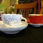 いちかわ珈琲 - ドリンク写真:マイセン、ジノリ、ロイヤルクラウンダービー、エインズレイ等お客様に楽しんで頂けるように、こだわりのカップで!