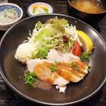 定食あさひ - 鶏むね肉のオニオンジンジャーソース定食(1000円)