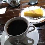 CAFE TROIS BAGUES - コーヒー&スイーツ