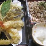 櫻屋 - 天ざるそば¥1800