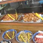櫻屋 - カウンター最上段には揚げ物