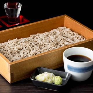 """【〆に最適】北海道産のそば粉を石臼で挽いた""""生蕎麦"""""""