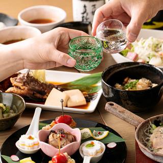 食中酒ならぬ酒中食。日本酒と好相性なおまかせ料理のコースも