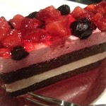 Joker - 苺とブルーベリーのケーキ