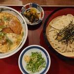 豆・太鼓亭 - 料理写真:『かつ丼定食(通常はざるそばとのセット)』(税込み756円)