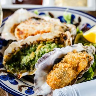 厳選し仕入れる旬の生牡蠣をお届け!肉魚の一品料理もご用意。