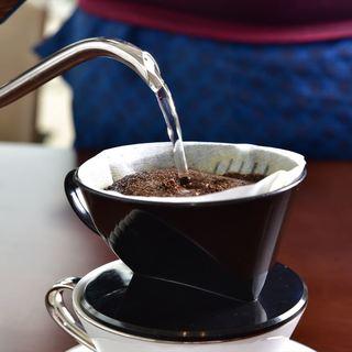 ハンドドリップのブレンドコーヒー