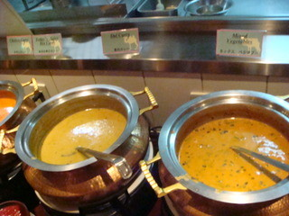 マントラ スカイビル店 - ダル(豆)カレー、ミックスベジタブルカレー
