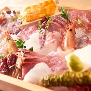 能登産直の新鮮なお魚を豊富に揃えております!