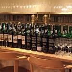 ブラッスリーセルクル - ポルトガルマデイラ諸島でつくられていいるマデイラワインのラインナップは東京以北では一番の品揃え。