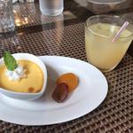 里山カフェ chiki - デザート(^^) プリンとりんごジュースをチョイス(^^)