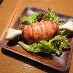 熟成肉&チーズの店 iQue' rico! ~ケリコ~  - 5皿目◇お肉屋さんの骨付原始ハンバーグ