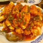 中華菜館 同發 - 白身魚のフライチリソース