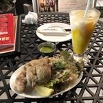 アジアン・エスニックレストラン&バー コセリ - マライケバブ(2P) 350円(税込)・マンゴーラッシー 350円