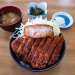110960607 - 特製ソースカツ丼(全景)