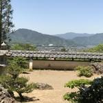 前山寺 - 庭を眺めながら