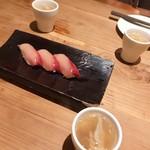 なきざかな - お通しにお寿司!