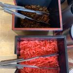 元祖とんこつ 久留米ラーメン 山亭 - 辛子高菜と紅生姜