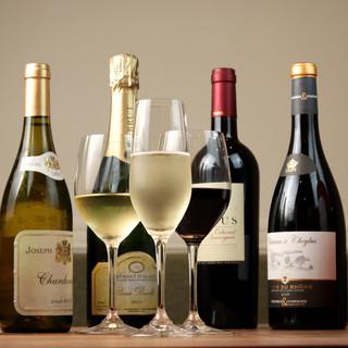 お手頃価格で楽しめるワインが充実。気軽にマリアージュを堪能!